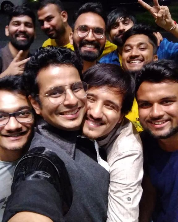 Section 377 is decriminalized i know but me and @ojasrawal has nothing to do with it😂   #thecomedyfactory  #section377 #squadselfie #teampic #novotel #ahmedabaddiaries  #gujjuselfie #ojasrawal #gujarat #gujjus #friendselfie #selfietime #friendsforlife #dostlog #funnyselfies