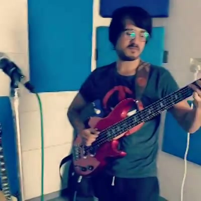 Here's an improv Drum and Bass jam me and @_sagarshinde did yesterday between our practice session. I have a thing for Bass guitars, aage jaake bahot kuch sikhna hai @sidheshwarmalakar se 🤘🏻  #bassguitars #drumandbass #drummer #bassist #jamming #practice #groovy #groove #instamusic #bass #bassist #improv #jam #outrovadodara