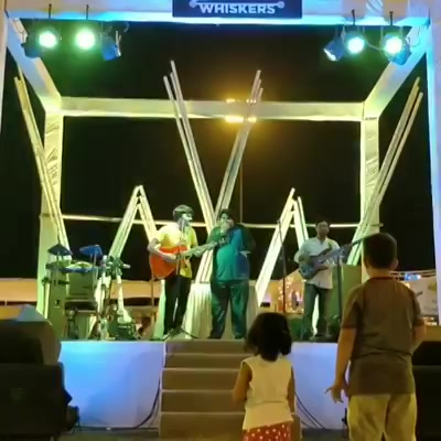 Just some casual jamming at @weekendwindow with @jesusmehta on beat boxing and @sidheshwarmalakar on the bass guitar. Played some original jams and some cover songs, tonight i am performing with my band 9-11pm YMCA, Ahmedabad. See you there ✌🏻  #weekendwindow #indianbeatboxcommunity #beatboxer #indianbeatbox #livejam #wakemeupwhenitsallover #avicii