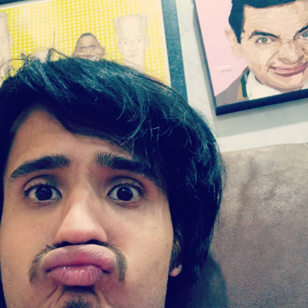 Aariz Saiyed,  weirdselfie, weird, selfie, mrbean, whoslineisitanyway, prasadbhatart, officeselfie, killingtime, faces, expressions, couch, potato, pout, hairdo, lips, awkward, pose, face, youdontknowme, eyes, frames, badhairday