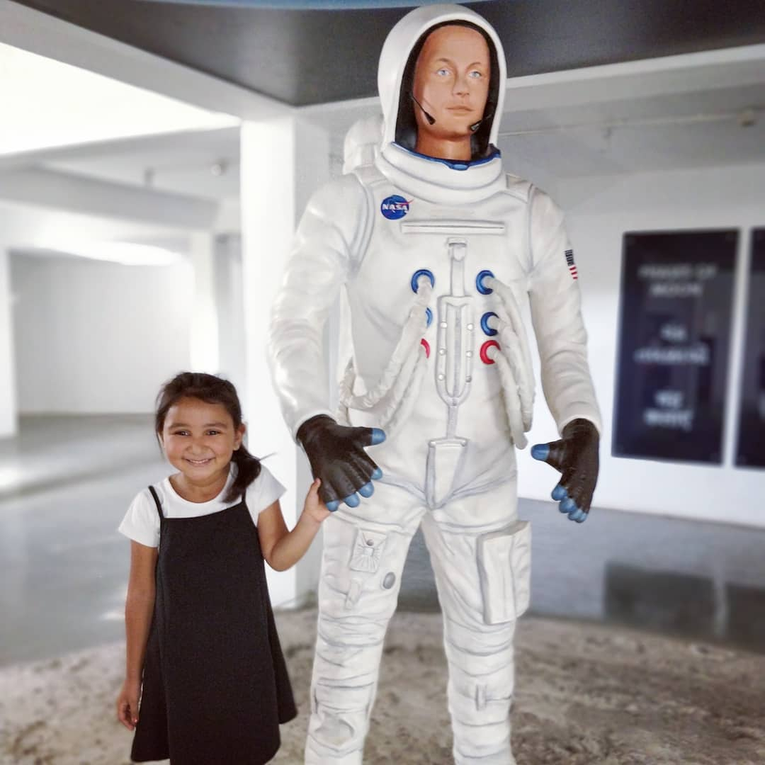 #TBT #gappuupdate #planetorium #kamatibaug #vadodara #astronout #kid #nasa #space #knowledge #hudson #hands #mannequin #throwbackthursday #throwback #missher