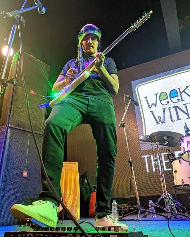 My Weekend was 💯 Had a great time playing some live music first with Jesus Mehta on beatboxing on Friday experimenting a new trio band and later on Sunday with my band Outro at @weekendwindow in Ahmedabad. 📸 @kashyap.sanghani  #weekendwindow #dec2018 #outrovadodara #musician #liveband #rasta #reggae #funk #guitarist #guitar #podhd #band #live #music #stage #ahmedabad #ymcaahmedabad #music #whiteshoes #dreads #fender #electricguitar #performance #mic #kbye