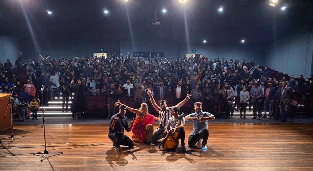 Thank you so much Melbourne and Sydney . Australia was so LIT ki ab aagayi humien aur mehnat karneki HIT(kuch bhi bol daala)  #tcfindia #gujjus #gujju #gujarati #shows #audience #standupcomedy #improvcomedy #musicalcomedy #melbourne #sydney #gigs #artist