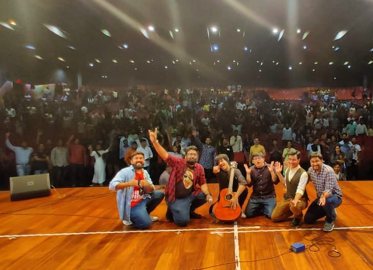 Thank you JK entertainers for having us in Surat last night. We are performing next in Maaru Vhalu Vadodara 😁 on 26th August, TICKETS LINK IN MY BIO.