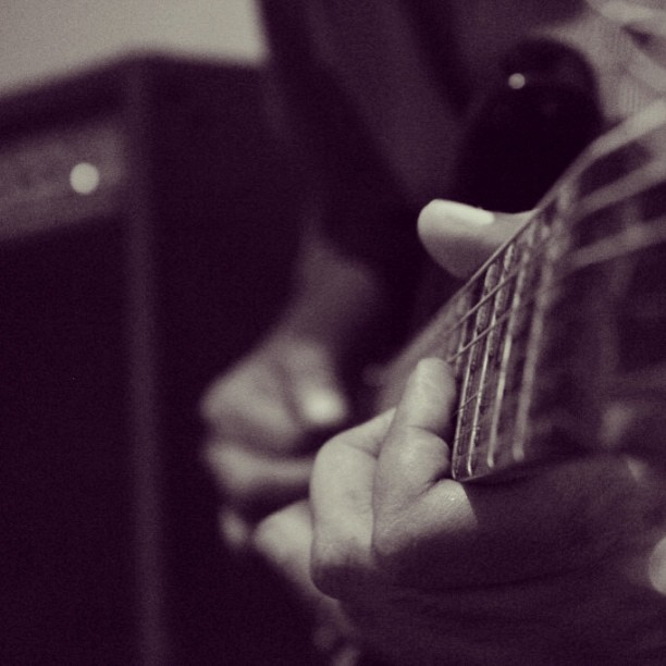 Click of the day from our jamming session today. #guitar#love#musiclover #musiclife#guitarlife#instamusic#webstagram #instaguitars#instrument#valencia