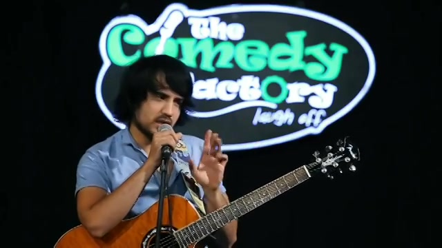 Watch full video aur sabko dikhao. Link in my bio.  #standupcomedy #hindi #gully #dogs #streetdogs #gangsofwasseypur #musicalcomedy #indiancomedian #comedyindia