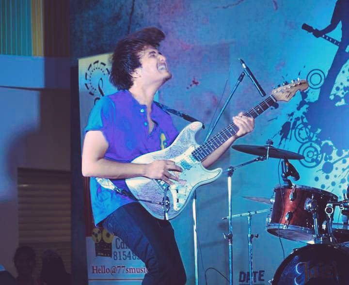 From the gig last Sunday, battle of bands we won!:D #outro#battleofbands#indianbands#indianmusicians http://t.co/37rZjdXOqP